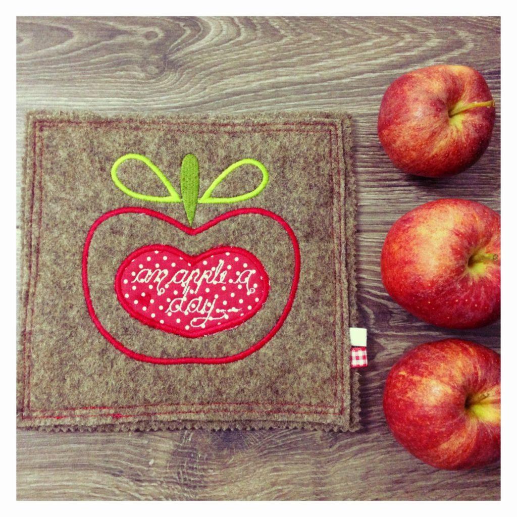 mit Strich und Faden | Topfuntersetzer Apfel - an apple a day