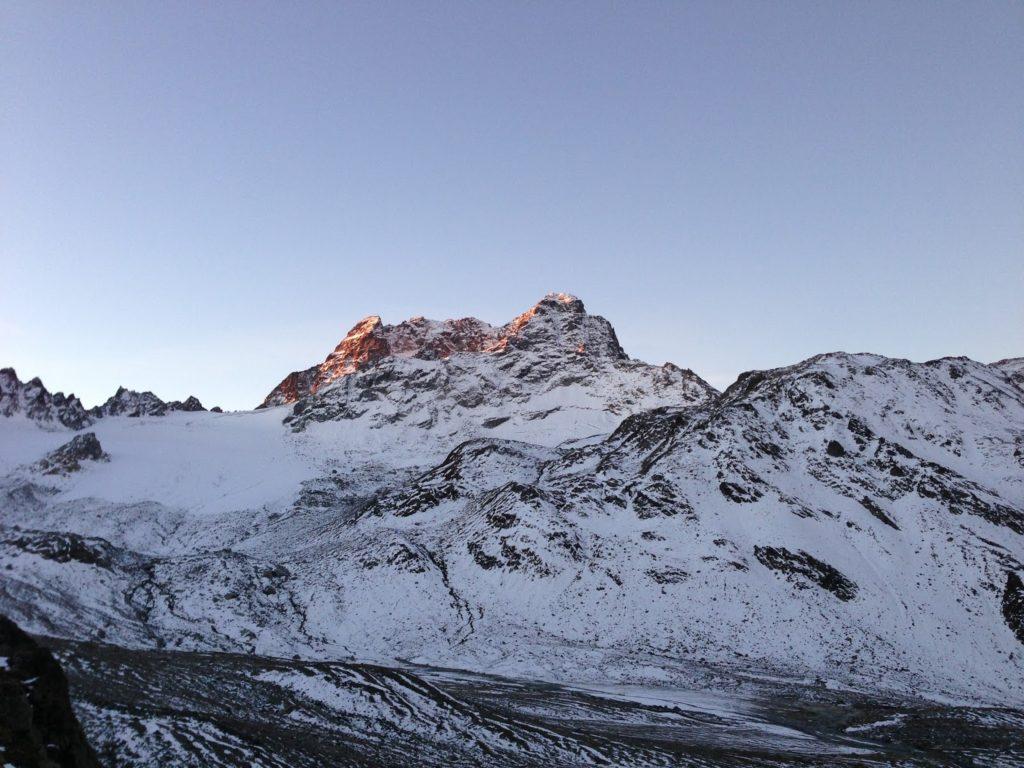 mit Strich und Faden   Piz Kesch Graubünden Schweiz