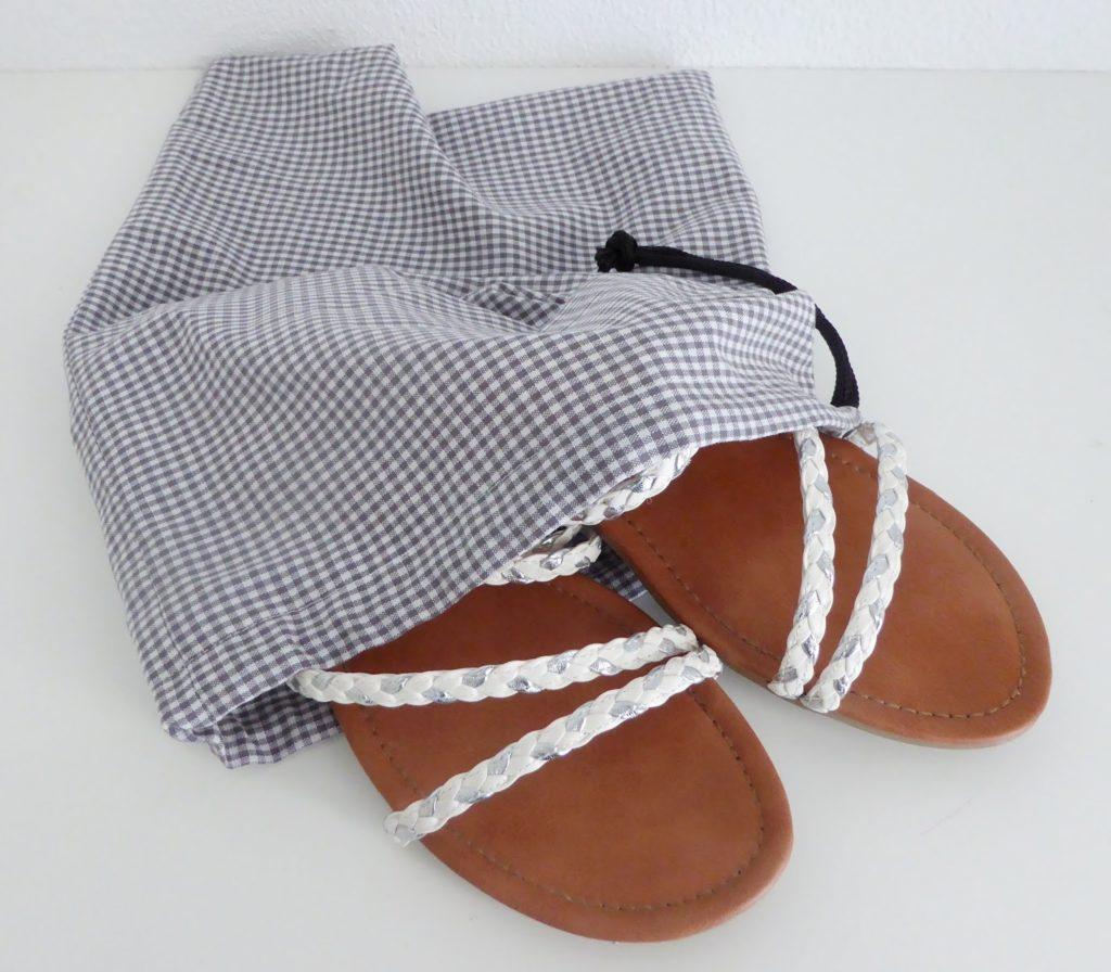mit Strich und Faden: Schuhbeutel
